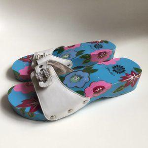 YELLOW BOX Crystal Garden Blue & White Clogs 6.5